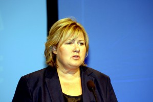Høyres medlemstall faller. Partiet hadde mål om å vokse til 38.000 medlemmer i valgåret 2015. Fasiten viser i stedet en nedgang på 1.500 medlemmer, og et totalt medlemstall på 31.666 medlemmer. Samtidig setter Arbeiderpartiet ny medlemsrekord.