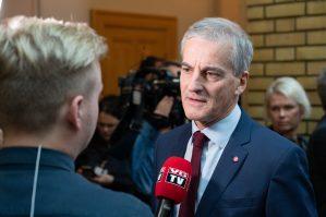 Arbeiderpartiet gjør sitt største galluphopp på fire år. - Nå er det glød i partiet, sier Jonas Gahr Støre.