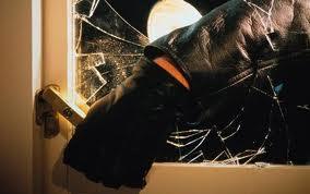 Politiet har lagt fram rykende ferske tall for boliginnbrudd. Og tallene er gledelig lesning. Fra 2009 til 2013 har antallet boliginnbrudd gått ned med hele 80 prosent! Under den rødgrønne regjeringen er Norge i ferd med å vinne en solid seier mot de omreisende tyveribandene som har herjet særlig i Oslo-området.