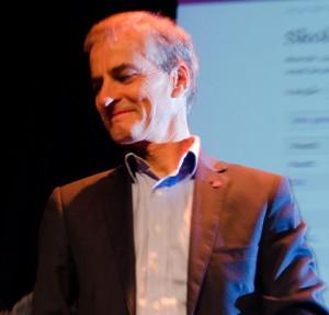 BRA AP-GALLUP: Arbeiderpartiets leder Jonas Gahr Støre (bildet) kan glede seg over en Ap-framgang på 1,1 prosentpoeng på en rykende fersk gallup. Samme måling viser tilbakegang for Frp. Foto: Flickr.com/Arbeiderpartiet