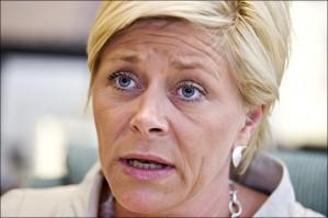 Mens Arbeiderpartiet, SV og Senterpartiet styrker seg, går Høyre og Frp markert tilbake på en ny meningsmåling. Tilbakegangen er størst for Frp, som faller 2,9 prosentpoeng sammenlignet med forrige måned og nå er nede på 14-tallet i oppslutning.
