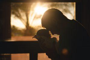 Arbeiderpartiet får flertall for forslaget sitt om å gjeninnføre 14 ukers pappaperm. Ordningen ble kuttet av de borgerlige i forrige stortingsperiode, men nå har Arbeiderpartiet fått gjennomslag for at permisjonen utvides til 14 uker igjen.