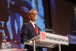 BLI MEDLEM: Meld deg inn i Arbeiderpartiet. Jonas Gahr Støre er partileder, men du trenger ikke ha ambisjoner om å overta hans rolle for å bli partimedlem! Foto: Arbeiderpartiet.no