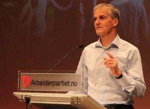 AP TIL HIMMELS: Arbeiderpartiet og partileder Jonas Gahr Støre (bildet) kan glede seg over galluptall på 38,4 % på ny måling. Foto: Bjørn Jarle Røberg-Larsen